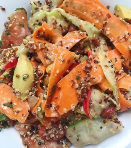 παπαρδέλες λαχανικών-κινόα-σολομός
